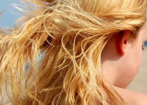 Rimedi naturali per i capelli bruciati