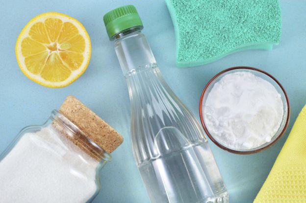Stanchi del solito detersivo per lavastoviglie? Fatelo in casa!