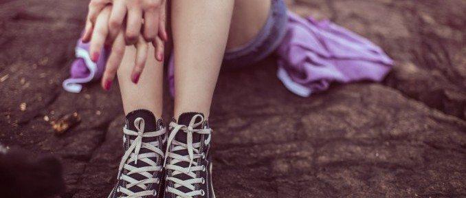 Gambe gonfie e pesanti: cause e rimedi